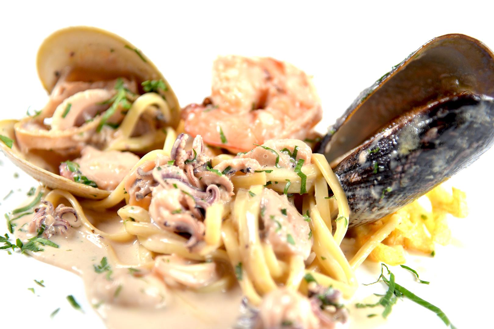 Platos Pastas Linguini Tutto Mare